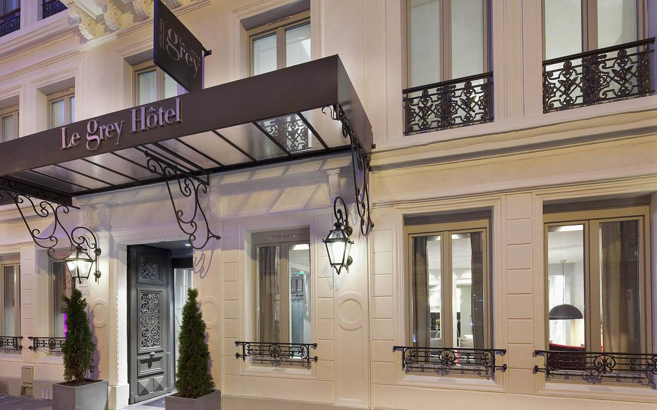 Hotel facade Montmartre Hotels