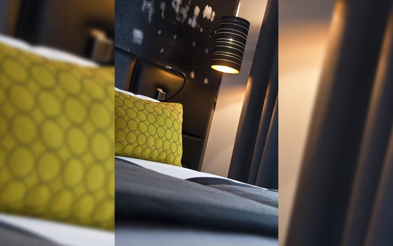 Luxurious suite Hotel Luxe Paris