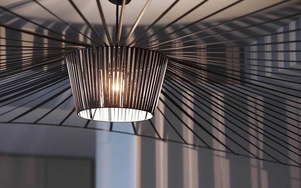 Black chandelier Montmartre Hotels