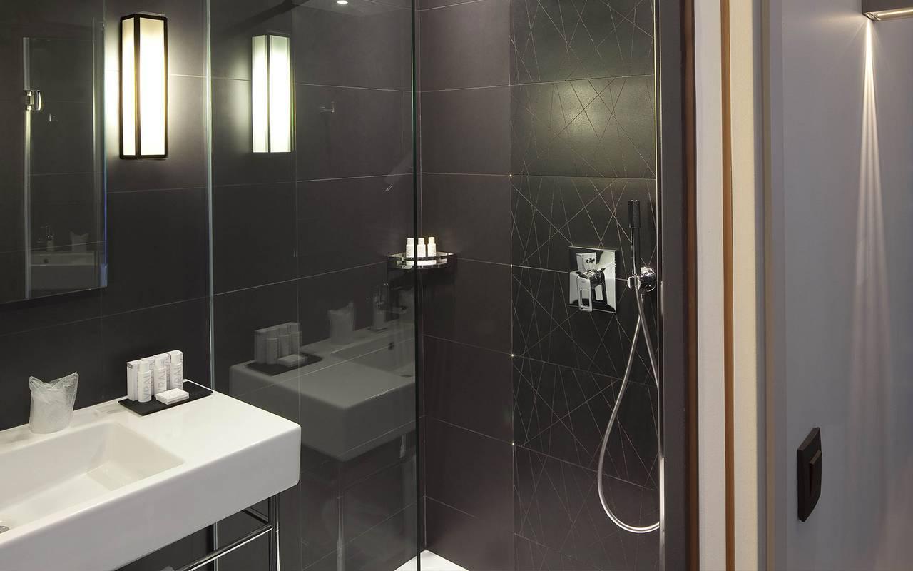 Douche salle de bain Hotel Paris 9ème arrondissement