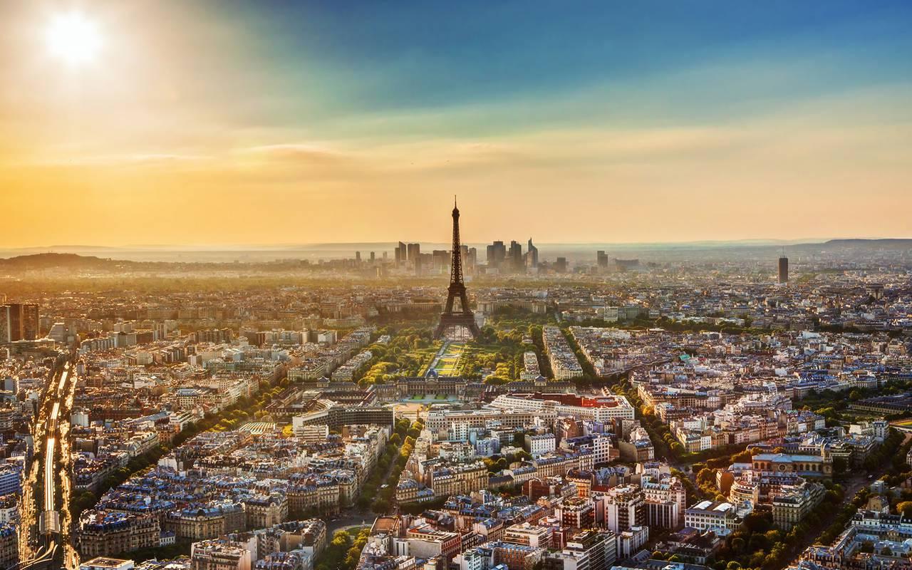 Tour Eiffel vue Hotel Paris Saint Lazare