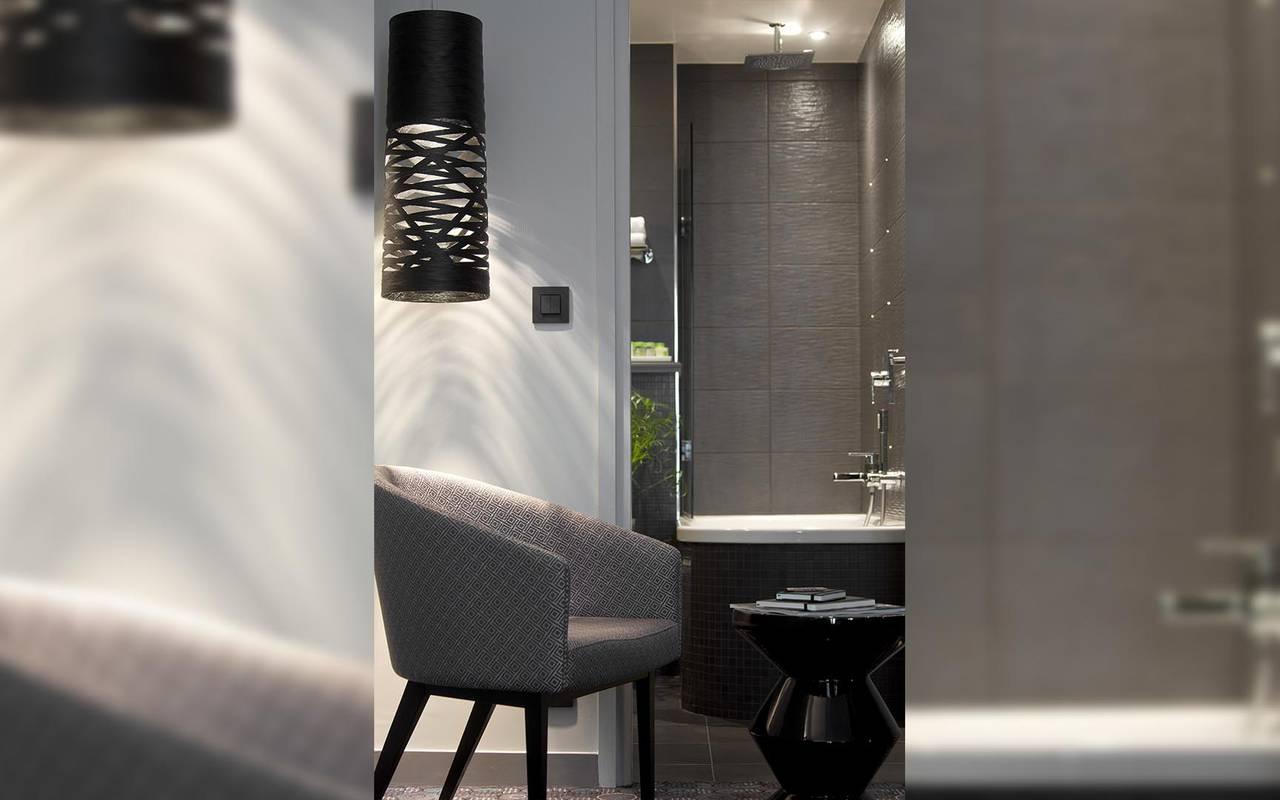 Fauteuil gris Hotel Luxe Paris