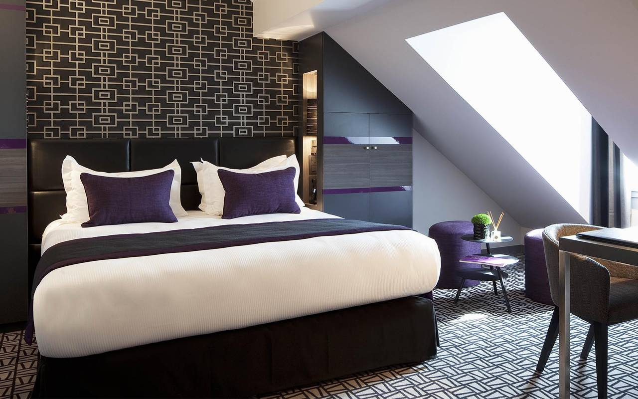 Chambre double spacieuse Hotel Romantique Paris