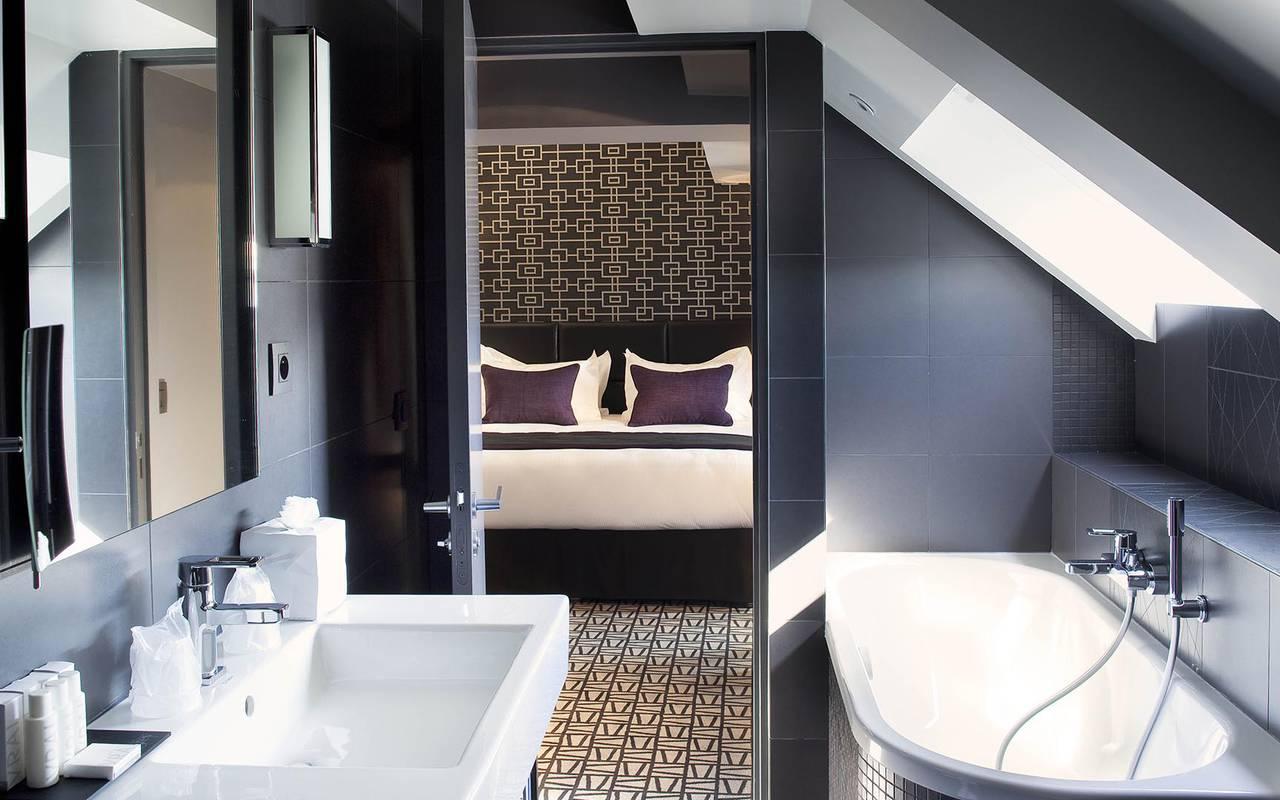 Suite prestigieuse Hotel Romantique Paris