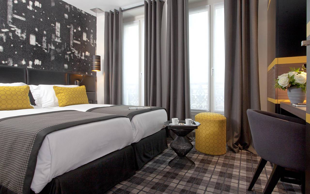 Lit double Hotel Luxe Paris