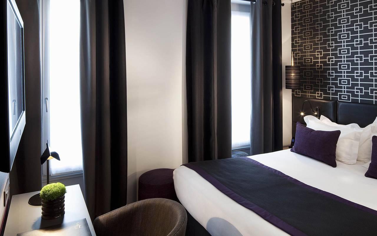 Television dans la chambre Hotel Luxe Paris